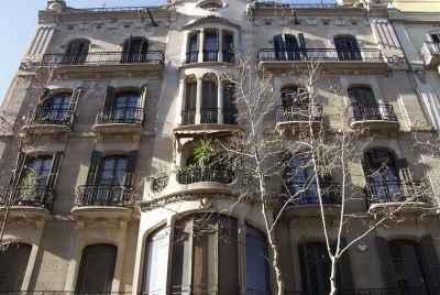Immeuble résidentiel à vendre à Barcelone dans un quartier résidentiel prestigieux